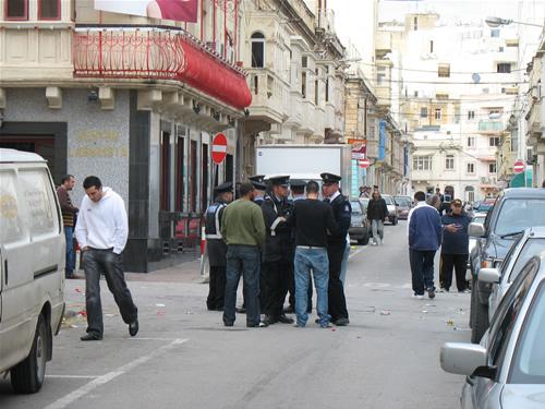 Labour Partei in Sliema - Polizei präsenz gewährt Sicherheit