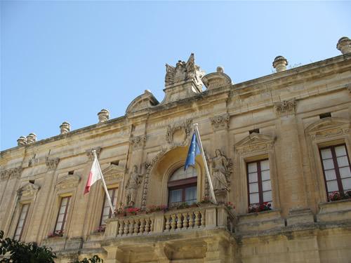 Altes Regierungsgebäude.