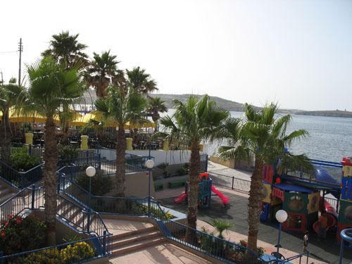 Parkanlage in Bugibba - direkt am Meer