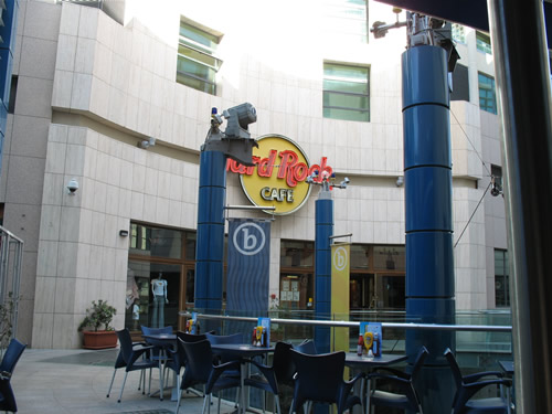 Hard Rock Cafe im BayStreet Complex.