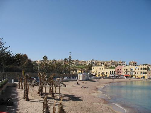 St. Georges Bay - seit 2004 besteht der Sandstrand und erfreut sich großer Beliebtheit.