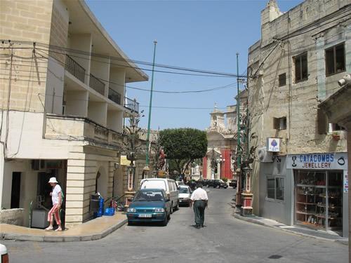 Seitenstraße in der Nähe der Katakomben von Rabat.