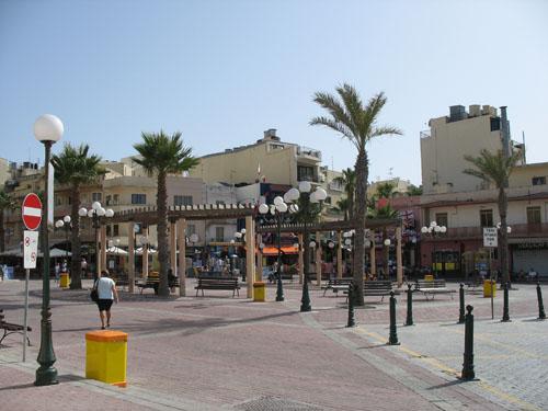Der Bay Square im Zentrum von Bugibba