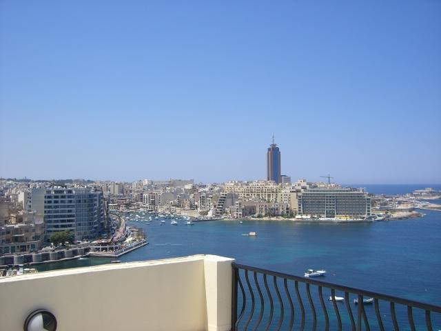 Penthouse über den Dächern in Sliema