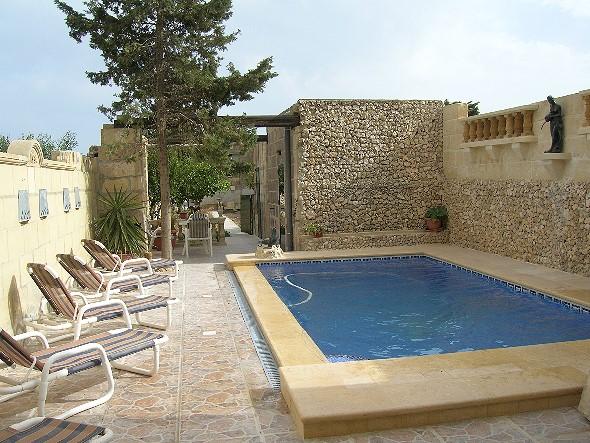 Farmhaus mit Pool in Xewkija auf Gozo