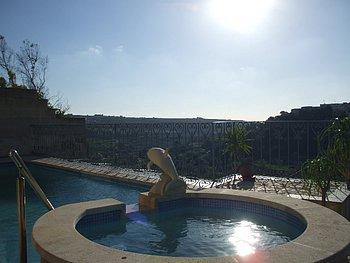 Fontana Bungalow