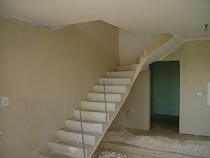 Treppe in den 1. Stock